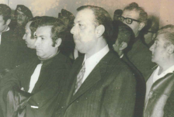 الرافعي في المحكمة في العام 1972 والى جانبه وكيله المحامي حسين ضناوي